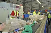 Dam pracę w Anglii przy segregowaniu śmieci w sortowani na taśmie Tipton