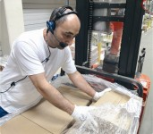 Holandia praca przy zbieraniu zamówień na magazynie Order-picker Oosterhout